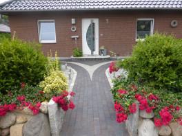Wege und Terrassenpflasterungen