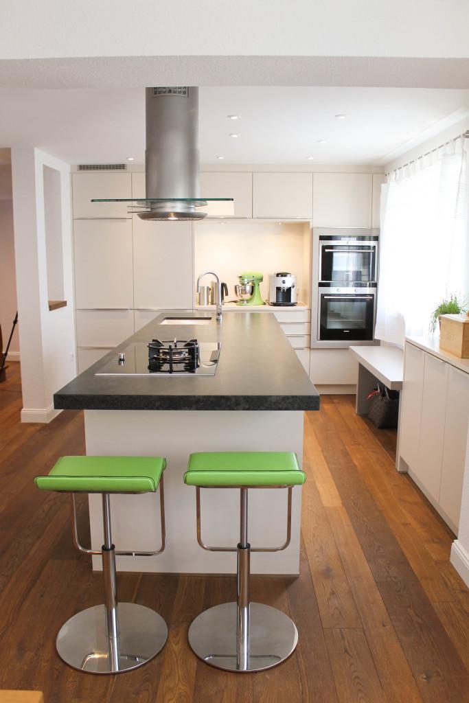 k chen freiburg 79115 yellowmap. Black Bedroom Furniture Sets. Home Design Ideas