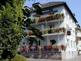 """Aussenansicht Hotel-Restaurant """"Zur Krone"""""""