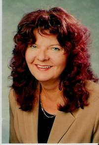 Immobilienmakler Sylvia Houschka
