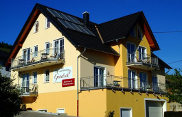 Wein- und Gästehaus Genetsch Lieser