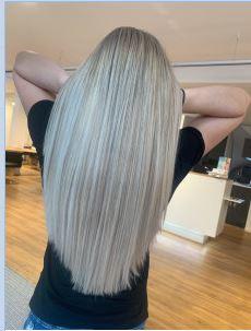 Bild zu Schönheitssalon – Friseur – Kosmetik –Hydrafacial by Linn Hairstyle in Frankfurt am Main