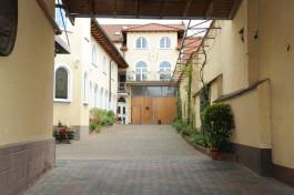 Hotel Schloßhof Dolgesheim