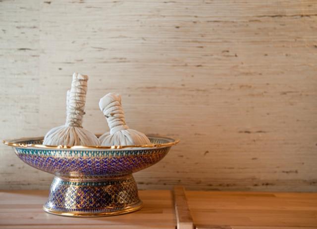 siam royal thai massage mogna kvinnor bilder