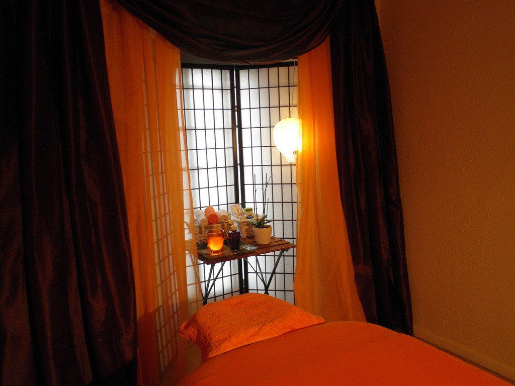 nijoles wellness massagepraxis prenzlauer berg in 10439 berlin. Black Bedroom Furniture Sets. Home Design Ideas