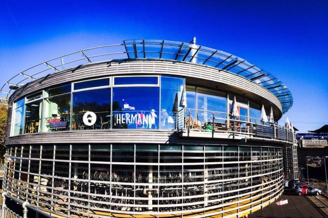 Cafe Bar Hermann Im Radstation Tel 0761 612570