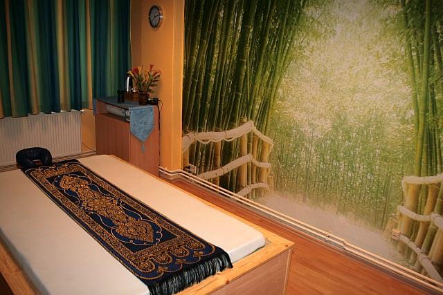 Eichborndamm thai massage Hot Thai
