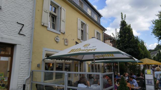 ▷ Gaststätte Zum Burghof ✅ | Tel. (02163) 57544... ☎ - Bewertung