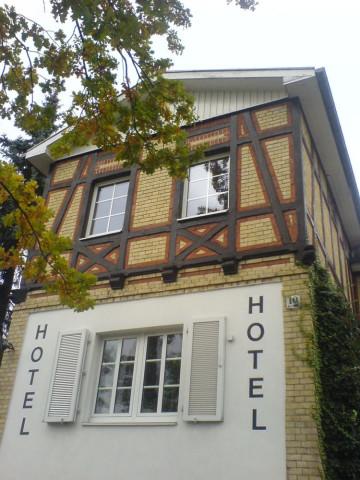Hotel U Restaurant Petit Berlin Wannsee Offnungszeiten Telefon
