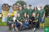 Die Familie Wigger und Mitarbeiter des Kinderbauernhofs
