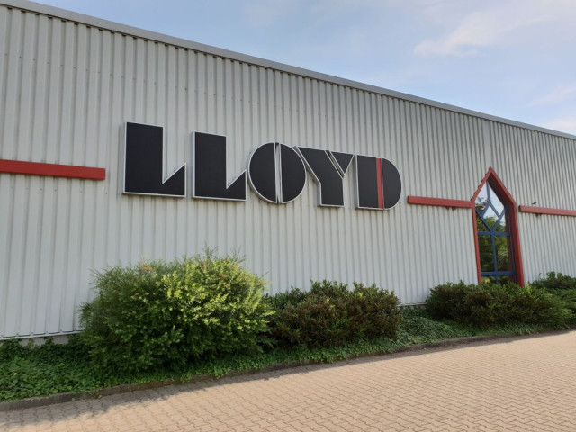 sale retailer 21f90 2c23f LLOYD FACTORY OUTLET SULINGEN Sulingen | Öffnungszeiten ...