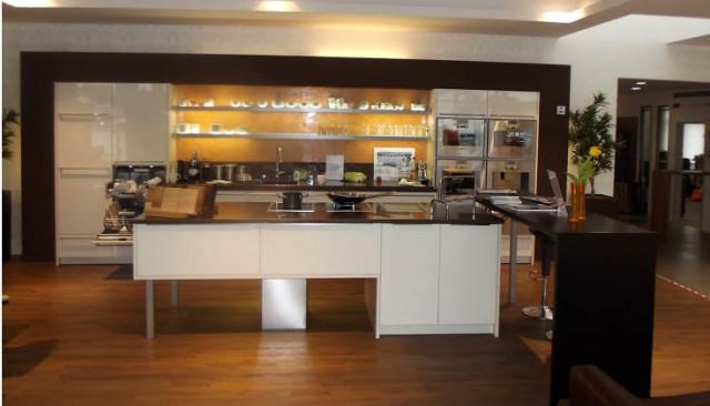 ▷ Plana Küchenland - Henselmann Küchenvertriebs Gmbh ✅ | Tel