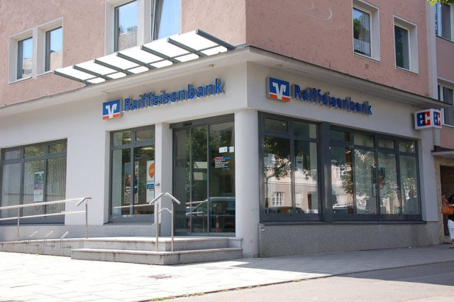 raiffeisenbank münchen land