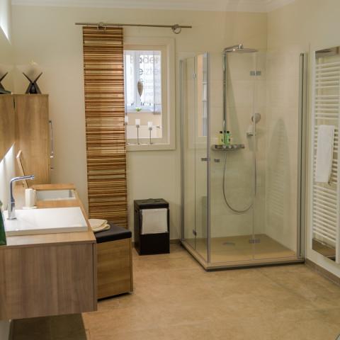 schreyer gmbh badausstellung tel 09606 9210. Black Bedroom Furniture Sets. Home Design Ideas