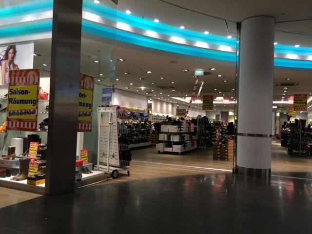 sale retailer e1fe9 28b19 Schuhhaus Klauser Neuss | Öffnungszeiten | Telefon | Adresse