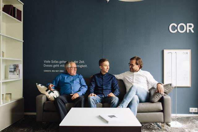 stelzer m bel gmbh co kg tel 06195 9925. Black Bedroom Furniture Sets. Home Design Ideas